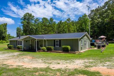 8045 Highway 326, Commerce, GA 30530 (MLS #6745297) :: North Atlanta Home Team