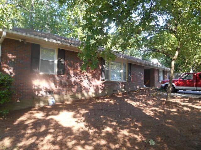 562 Powers Ferry Road SE, Marietta, GA 30067 (MLS #6745755) :: North Atlanta Home Team