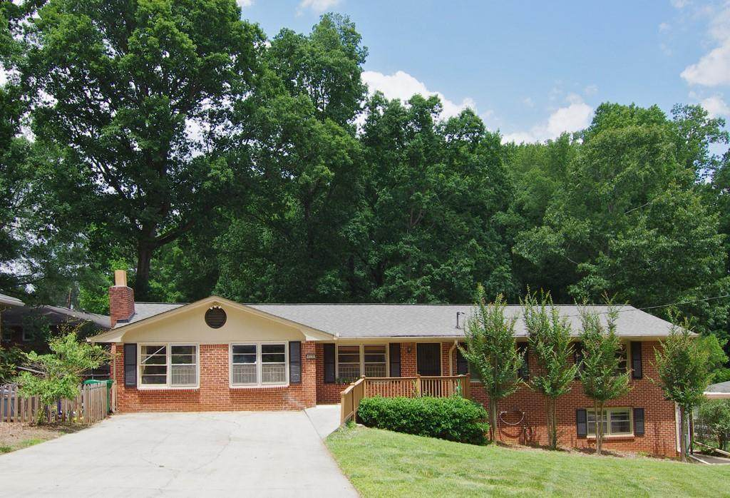 4036 Oak Crest Drive - Photo 1