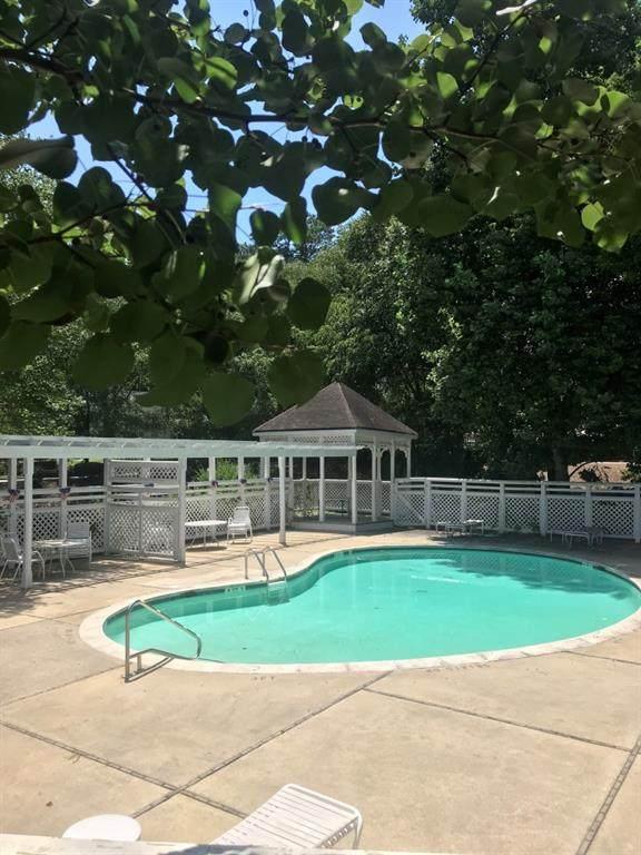812 Sentinel Ridge SW, Marietta, GA 30064 (MLS #6750623) :: Path & Post Real Estate
