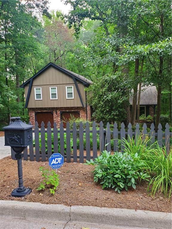 1695 Bainbridge Way, Roswell, GA 30076 (MLS #6752156) :: North Atlanta Home Team
