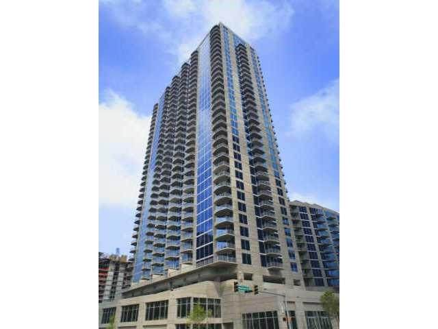 400 W Peachtree Street NW #3906, Atlanta, GA 30308 (MLS #6757277) :: North Atlanta Home Team