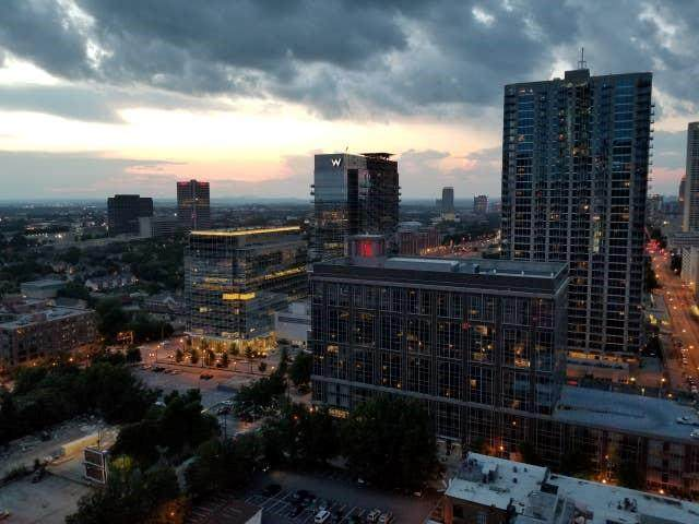 300 W Peachtree St 23C, Atlanta, GA 30308 (MLS #6758401) :: The Zac Team @ RE/MAX Metro Atlanta
