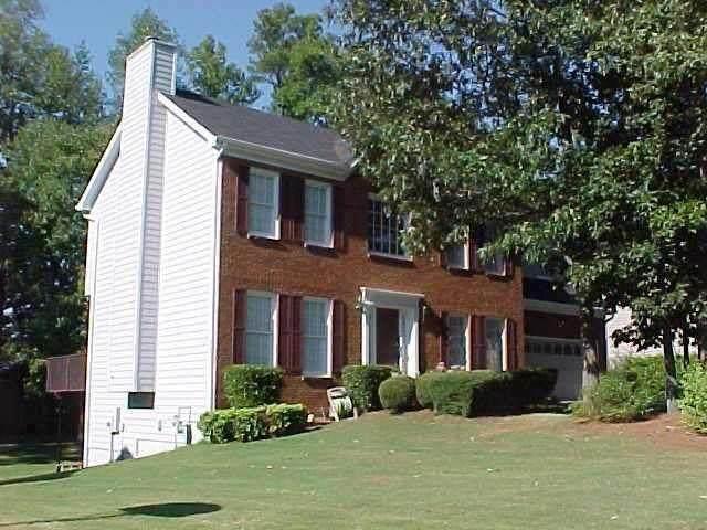 711 Burwood Park Drive, Lawrenceville, GA 30043 (MLS #6761674) :: North Atlanta Home Team