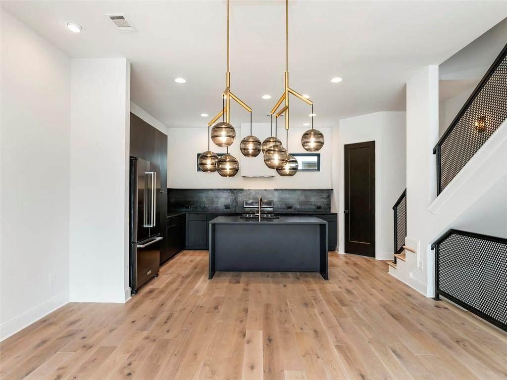 542 Flat Shoals Avenue - Photo 1