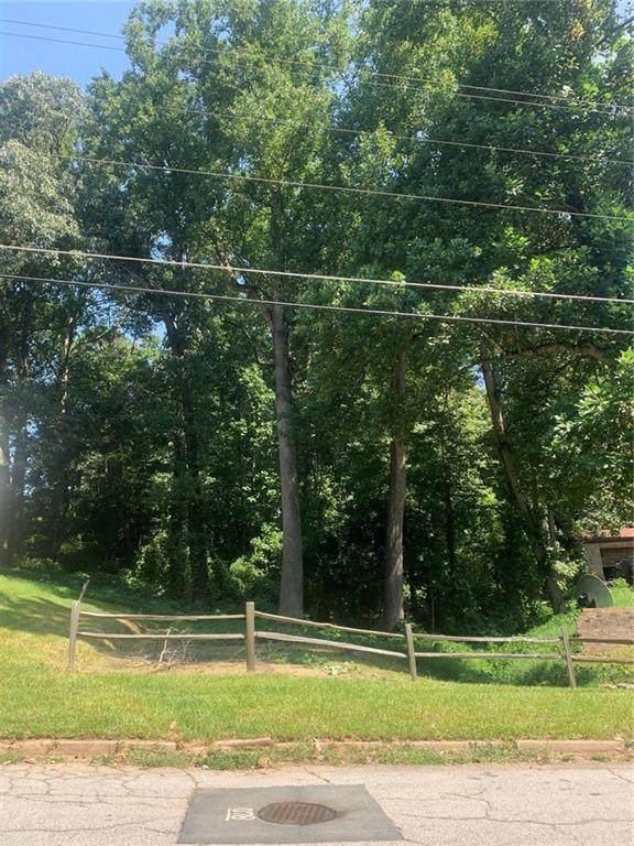4044 Emerald North Drive, Decatur, GA 30035 (MLS #6778274) :: North Atlanta Home Team