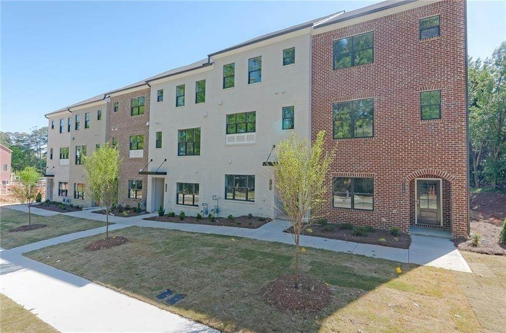 2786 Woodland Terrace - Photo 1