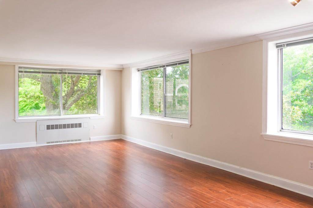2479 Peachtree Road - Photo 1