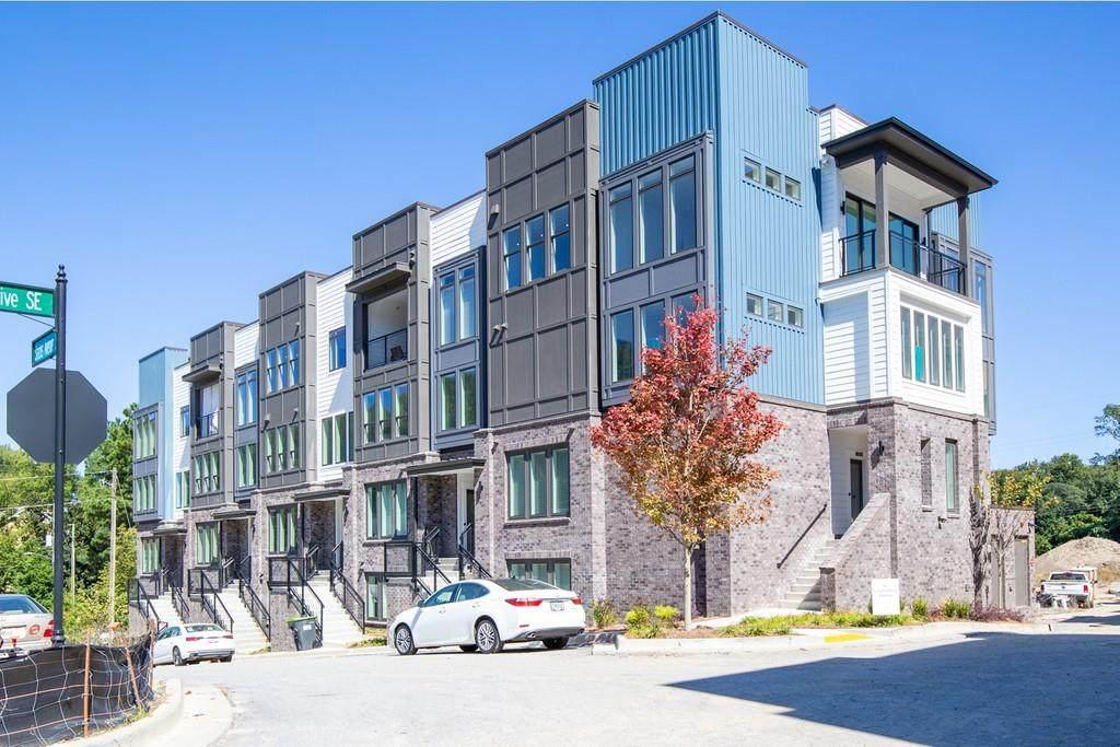 1050 Stacks Avenue - Photo 1