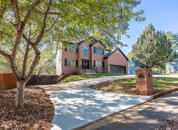1730 Heathridge Court, Lawrenceville, GA 30043 (MLS #6797890) :: The Zac Team @ RE/MAX Metro Atlanta