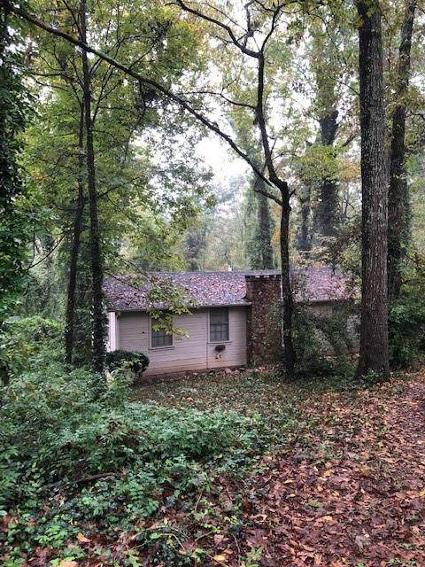 162 W Lake Drive, Roswell, GA 30075 (MLS #6810213) :: Dillard and Company Realty Group