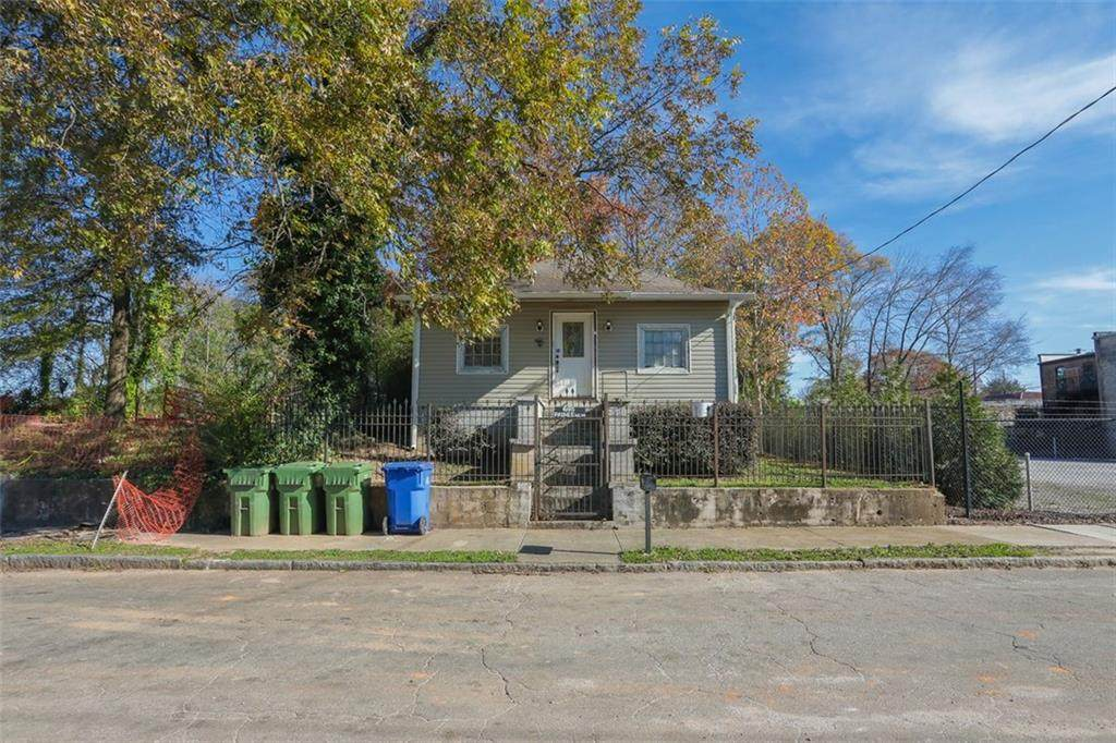695 Paines Avenue - Photo 1