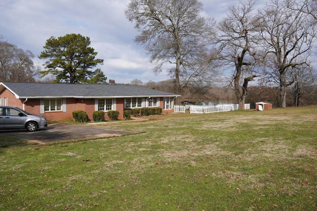 7232 Cave Spring Road - Photo 1