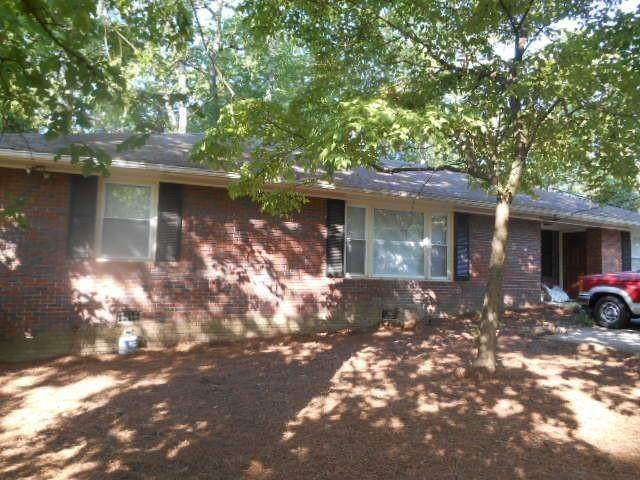 562 Powers Ferry Road SE, Marietta, GA 30067 (MLS #6832235) :: RE/MAX Paramount Properties