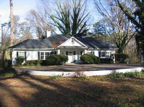 2795 Ben Hill Road, East Point, GA 30344 (MLS #6842288) :: North Atlanta Home Team