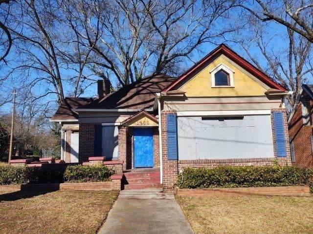 1369 Bryan Avenue, Atlanta, GA 30344 (MLS #6848393) :: North Atlanta Home Team