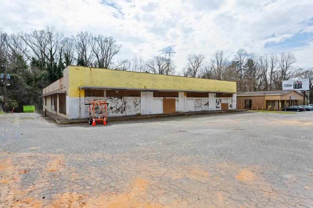 2056 Donald Lee Hollowell Parkway - Photo 1