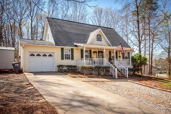 25 Cedar Ridge Drive, Toccoa, GA 30577 (MLS #6862932) :: Path & Post Real Estate
