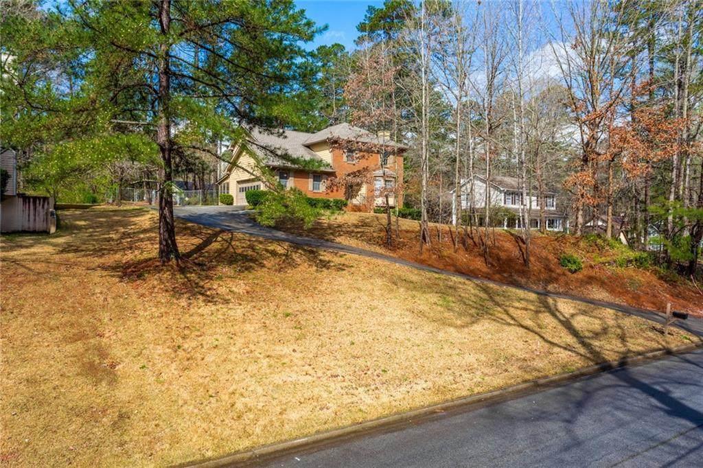 835 Pine Ridge Drive - Photo 1