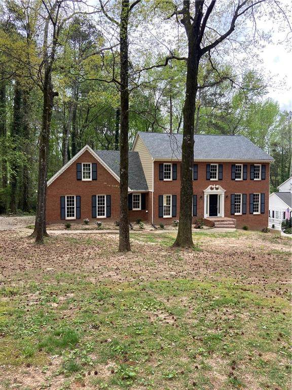 1647 Red Fox Run, Lilburn, GA 30047 (MLS #6867506) :: North Atlanta Home Team