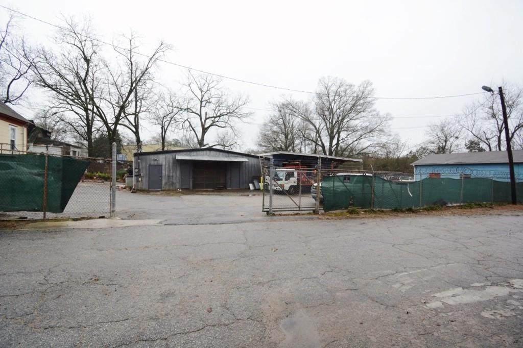 324 Clarendon Avenue - Photo 1
