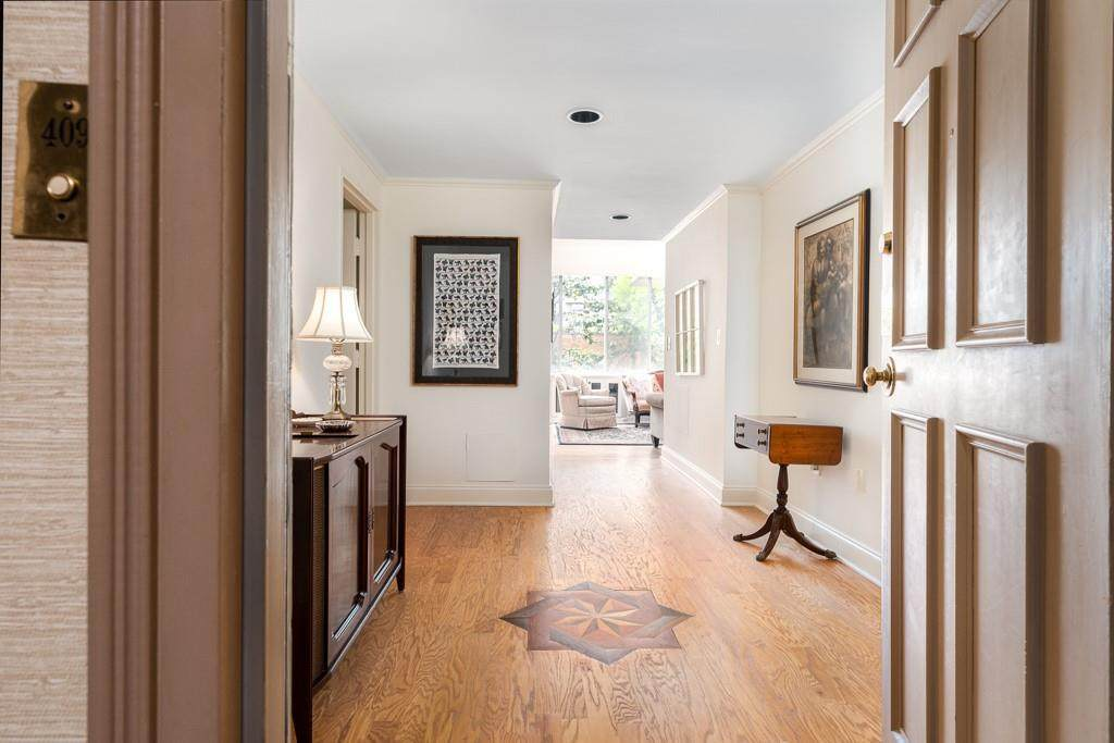 2637 Peachtree Road - Photo 1