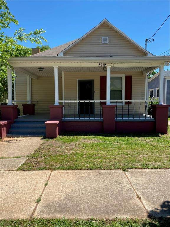 3212 E Point Street, East Point, GA 30344 (MLS #6883501) :: The Heyl Group at Keller Williams