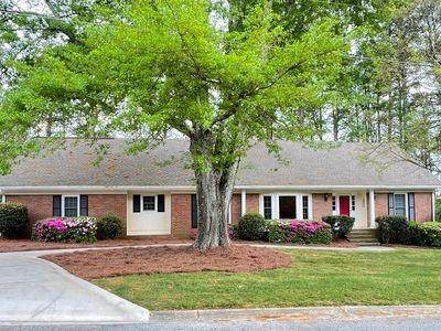 2049 Lakesprings Way, Dunwoody, GA 30338 (MLS #6884220) :: North Atlanta Home Team