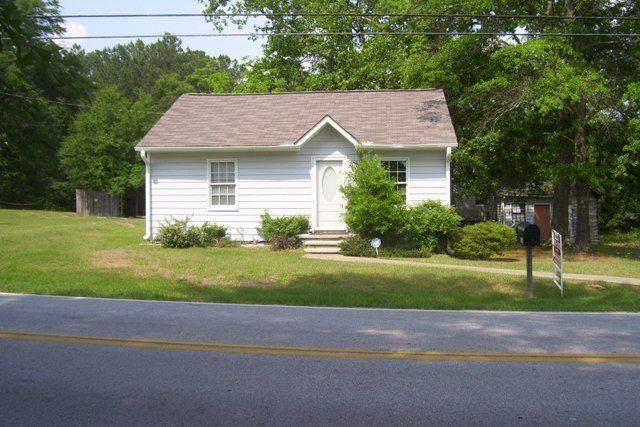 2058 Pucketts Drive SW, Lilburn, GA 30047 (MLS #6886777) :: The Gurley Team