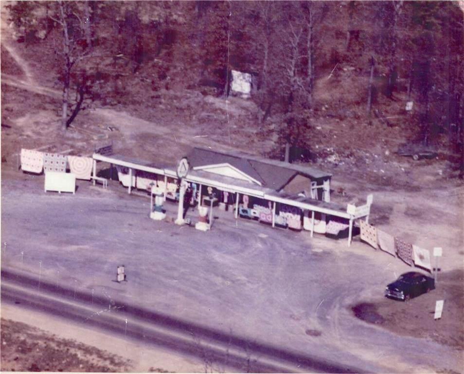 4286 Joe Frank Harris Parkway - Photo 1
