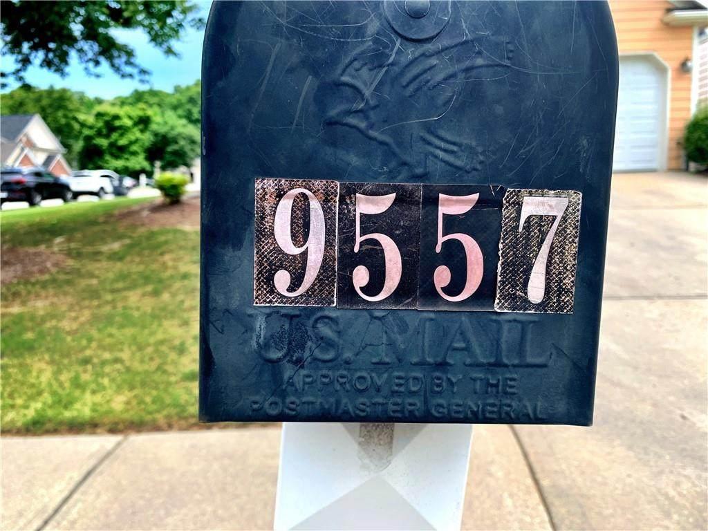 9557 Lakeview Circle - Photo 1