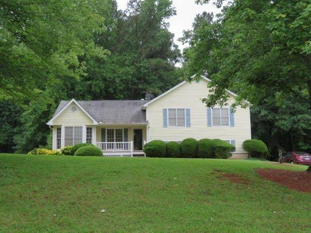 569 Stratford Drive, Douglasville, GA 30134 (MLS #6899375) :: North Atlanta Home Team