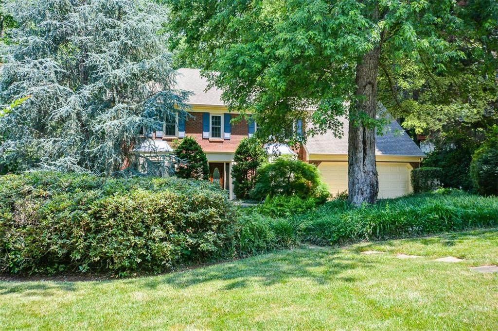 4821 Thornwood Drive - Photo 1