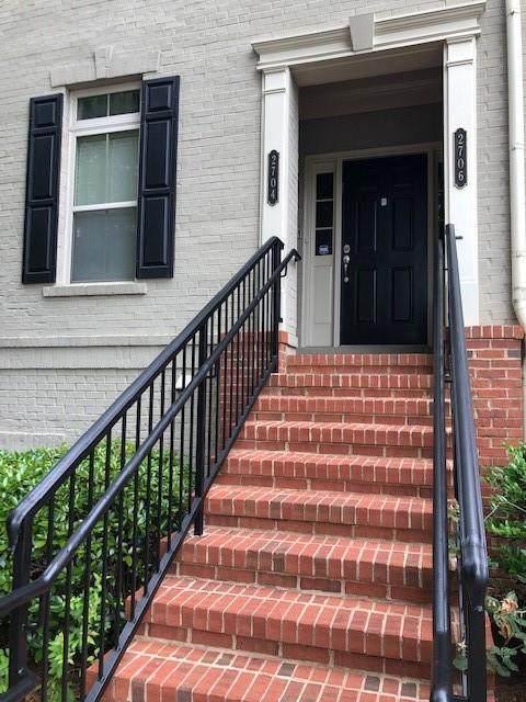 2704 Wander Lane, Alpharetta, GA 30022 (MLS #6901368) :: North Atlanta Home Team
