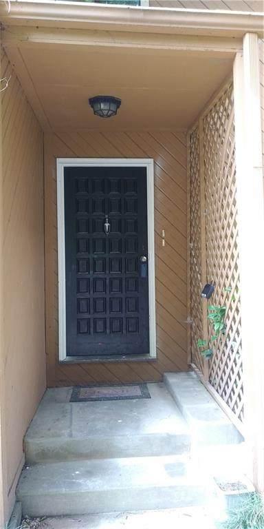 848 Lake Hollow Boulevard SW, Marietta, GA 30064 (MLS #6902287) :: Kennesaw Life Real Estate