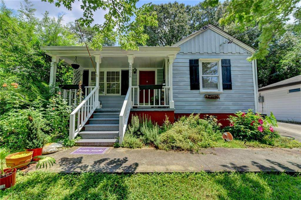 2528 Forrest Avenue - Photo 1