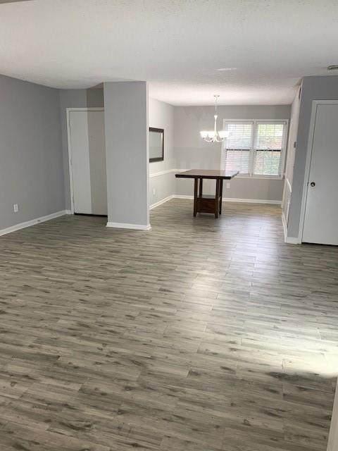 182 Triumph Drive NW, Atlanta, GA 30327 (MLS #6911475) :: Atlanta Communities Real Estate Brokerage