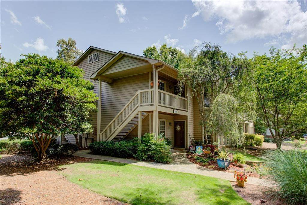 704 Country Park Drive - Photo 1