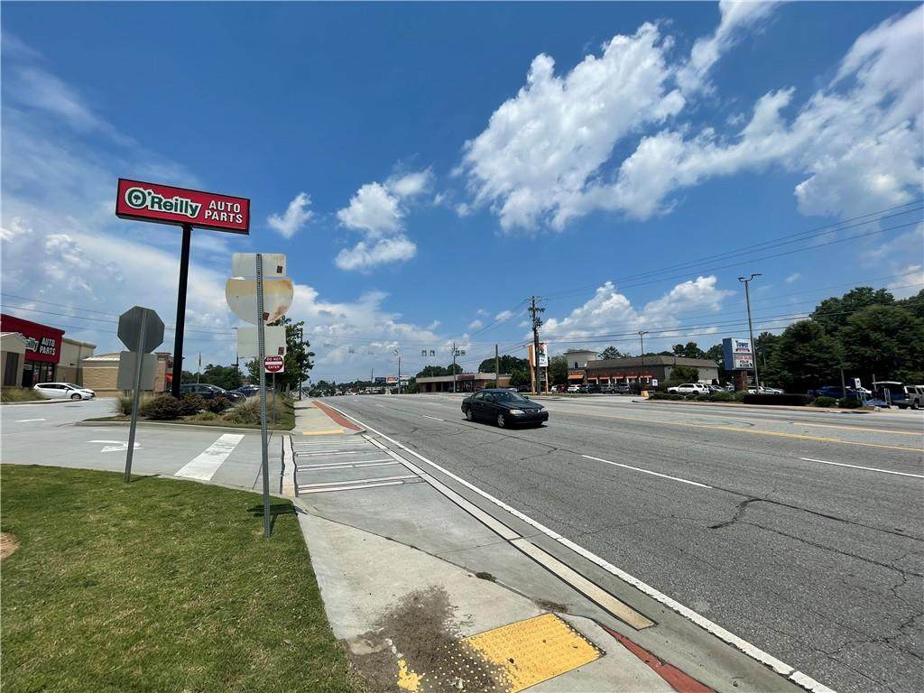 5878 Buford Highway - Photo 1