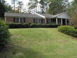 2556 Hawthorne Drive NE, Atlanta, GA 30345 (MLS #6921635) :: North Atlanta Home Team