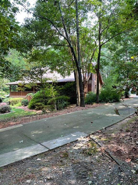 1411 Kimwood Court, Lawrenceville, GA 30043 (MLS #6924786) :: The Realty Queen & Team
