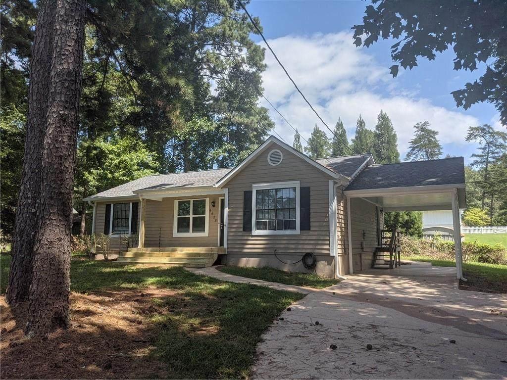 6525 Pine Ridge Circle - Photo 1