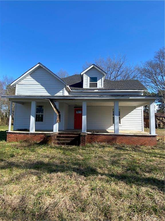 846 N Clayton Street, Lawrenceville, GA 30046 (MLS #6940247) :: North Atlanta Home Team