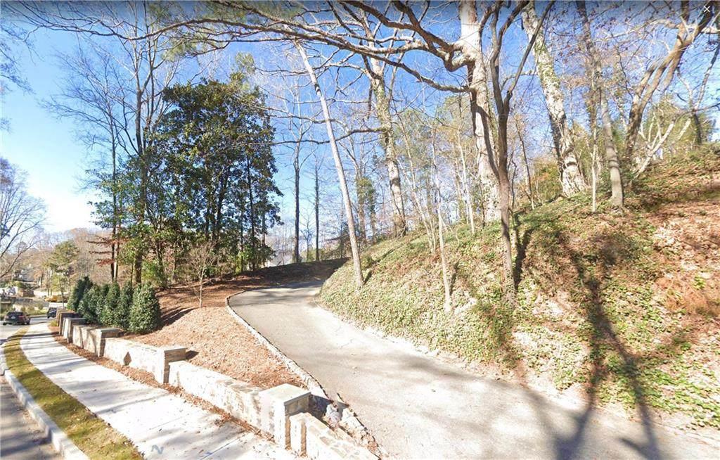 765 Peachtree Battle Avenue - Photo 1