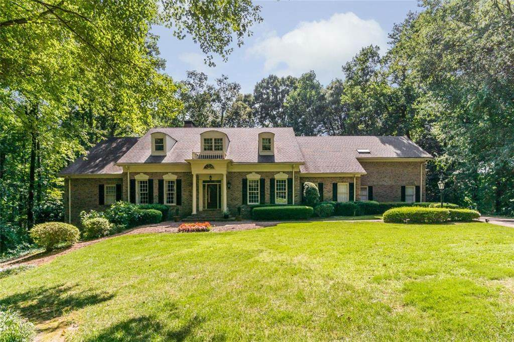 565 River Chase Point - Photo 1