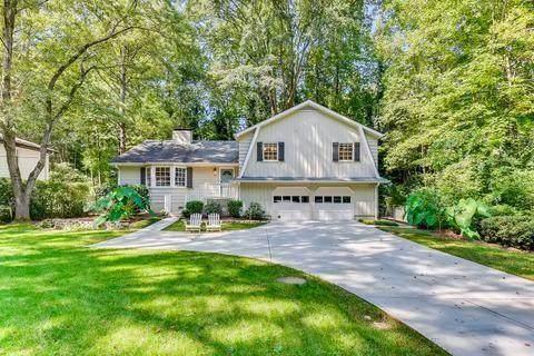 380 Forest Valley Court, Atlanta, GA 30342 (MLS #6952546) :: The Kroupa Team | Berkshire Hathaway HomeServices Georgia Properties