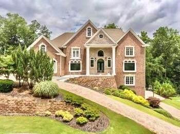 8345 Grogans Ferry Road, Sandy Springs, GA 30350 (MLS #6954634) :: North Atlanta Home Team