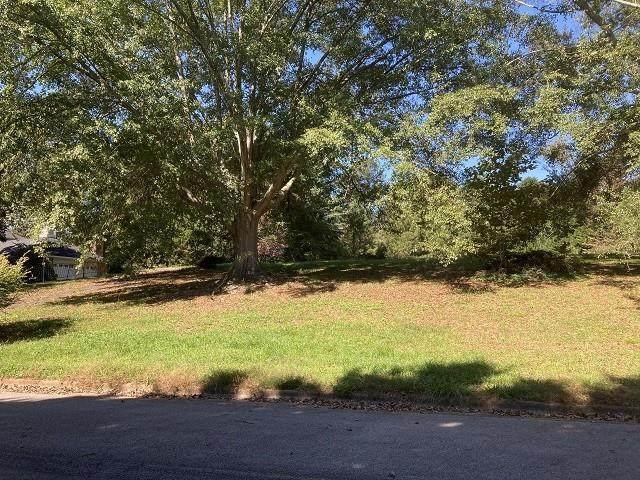 106 Woodlake Drive, Gainesville, GA 30506 (MLS #6960012) :: North Atlanta Home Team