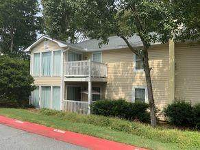 305 Augusta Drive, Marietta, GA 30067 (MLS #6960440) :: North Atlanta Home Team