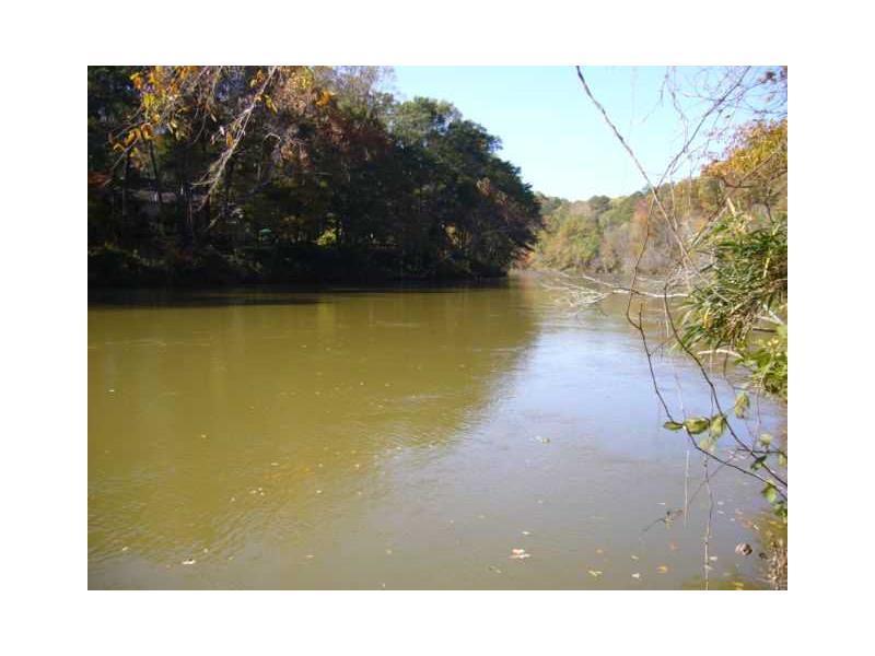8655 River Bluff Lane, Roswell, GA 30076 (MLS #4285540) :: North Atlanta Home Team